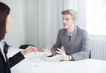 Academic Work erklärt wie Sie am besten auf Stressfragen im Vorstellungsgespräch reagieren.